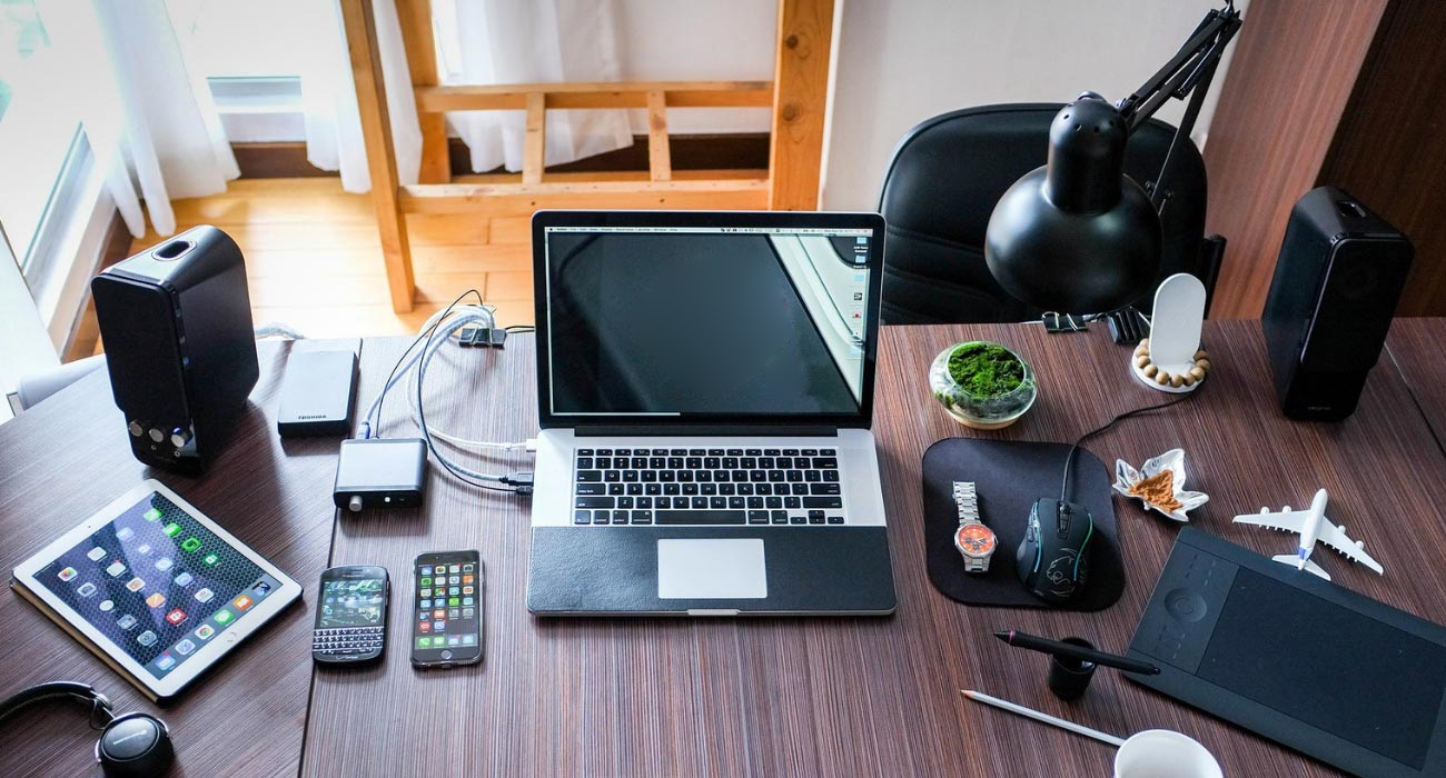 5 must have office accessories for your workstation